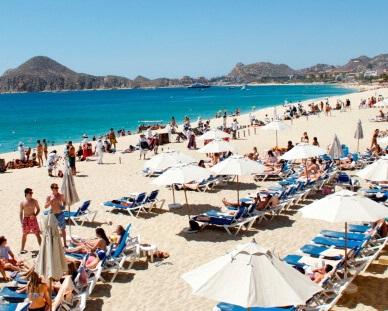 La gran mayoría de los paseantes que llega a Los Cabos son estadounidenses y canadienses. (Getty Images, archivo)