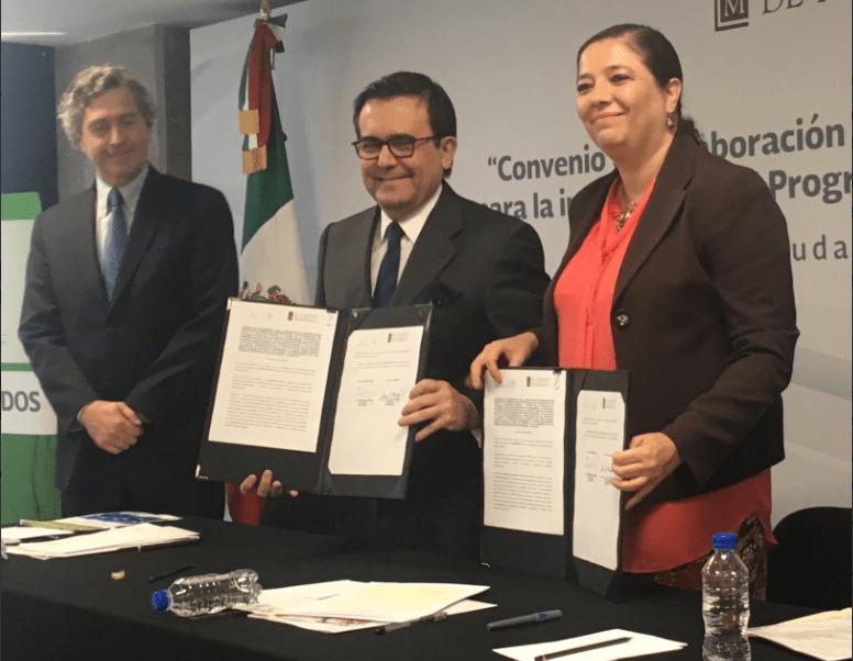 El secretario de Economía, Ildefonso Guajardo Villerreal, en la presentación del Diplomado en Negociaciones Comerciales Internacionales. (Twitter, @ildefonsogv)