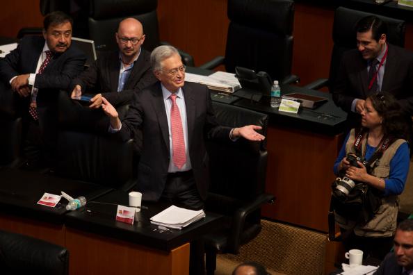 Tan sólo en las comisiones, cada senador que preside gana un aproximado de 200 mil pesos extras a su dieta y prestaciones (GettyImages/Archivo)