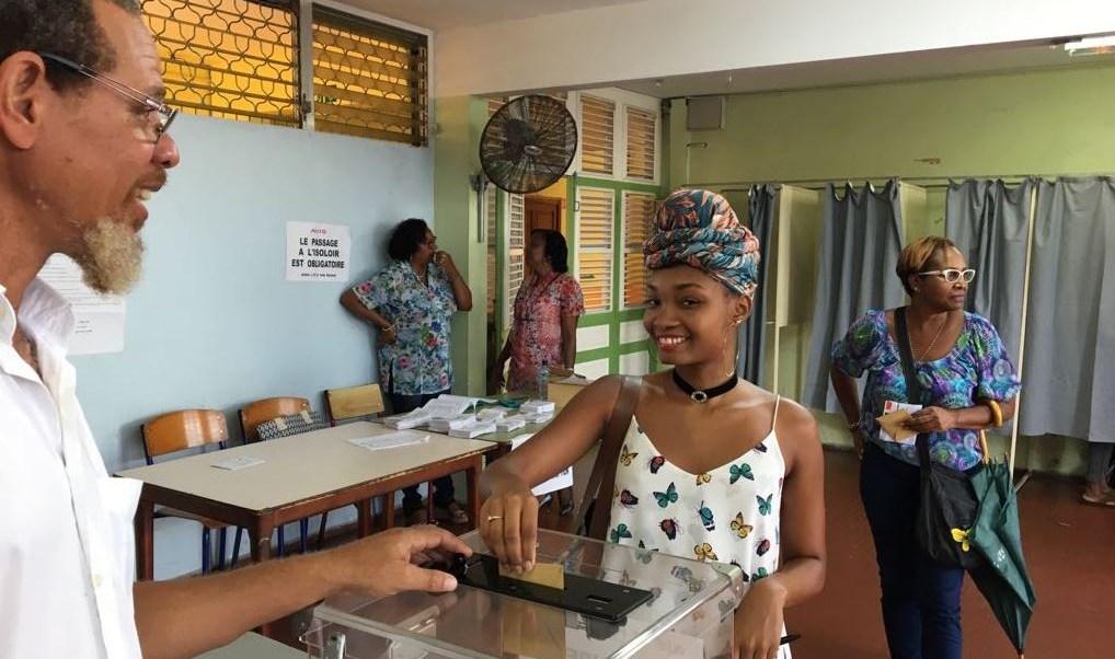 Este sábado iniciaron las elecciones presidenciales francesas en Polinesia Francesa en el Pacífico Sur y Guadalupe, la Guayana Francesa y Martinica en el Caribe. (@RCI_MQ)