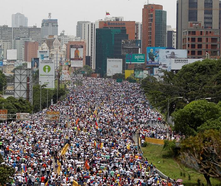 Dos jóvenes y un militar murieron tras protestas en Venezuela