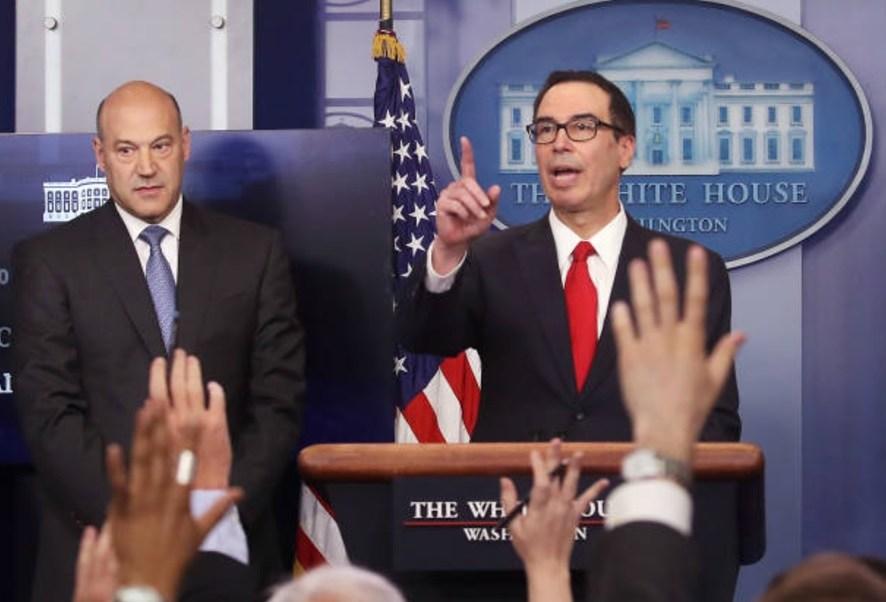 El presidente Trump no tiene intención de divulgar sus declaraciones de impuestos aseguró Steven Mnuchin, secretario del Tesoro de EU. (Getty Images)