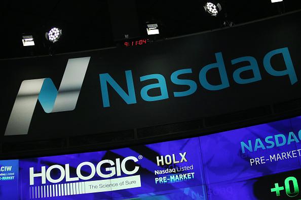 El índice Nasdaq alcanza por primera vez en su historia los 6,000 puntos (Getty Images, archivo)