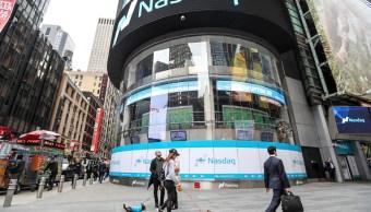 Vista del mercado bursátil Nasdaq en Times Square. (Getty Images)