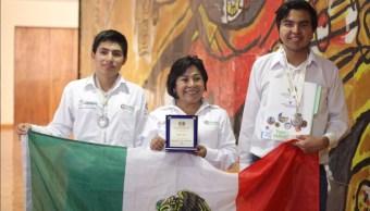 Estudiantes de Chilpancingo ganan concurso internacional con pegamento ecológico (Twitter @Gob_Guerrero)