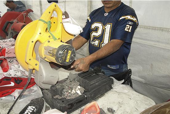 PGR destruye más de nueve toneladas de productos falsificados en Guanajuato. (PGR)