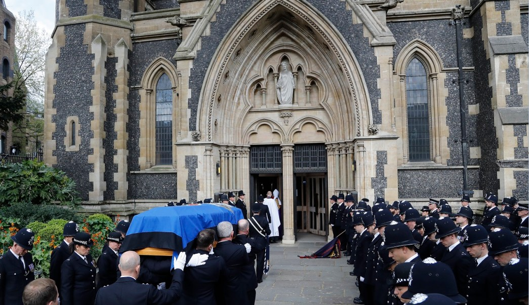 Miles de policías acuden a Londres al funeral de Keith Palmer, oficial que murió en el atentado terrorista de Westminster (AP)