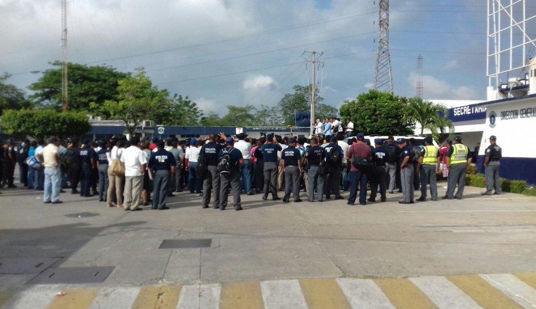 Policías de Tabasco realizan paro de labores. (Noticieros Televisa)