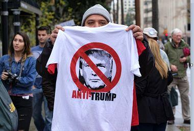 Miles de estadounidenses protestarán en Estados Unidos para exigir que el presidente Donald Trump publique sus declaraciones de impuestos (AP/archivo)
