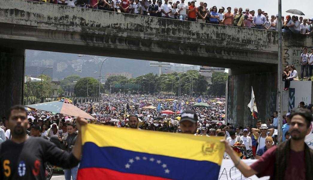 Las protestas en Venezuela llevan tres semanas. (AP)