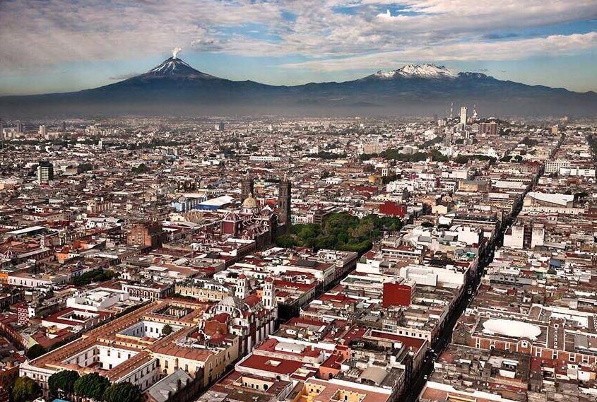 Por sus monumentos, arquitectura, riqueza cultural y gastronómica, la ciudad de Puebla fue nombrada por la Unesco, Patrimonio Cultural de la Humanidad (Twitter/@marioriestra)