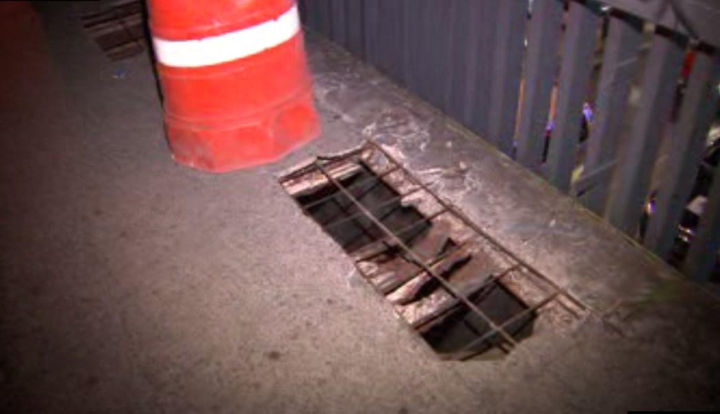 Boquete en puente de Insurgentes Norte y Eje 2; la estructura se convierte en una amenaza para los peatones (Noticieros Televisa)