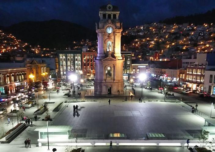 Ajustan Reloj Monumental de Pachuca al horario de verano