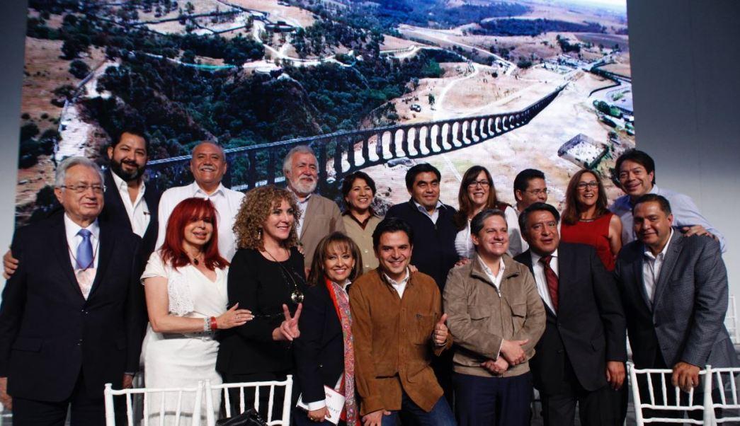 Sólo los senadores Raúl Morón y Alejandro Encinas, pidieron tiempo para reflexionar si se irán o no al grupo parlamentario del PT-Morena (Twitter/@MBarbosaMX )