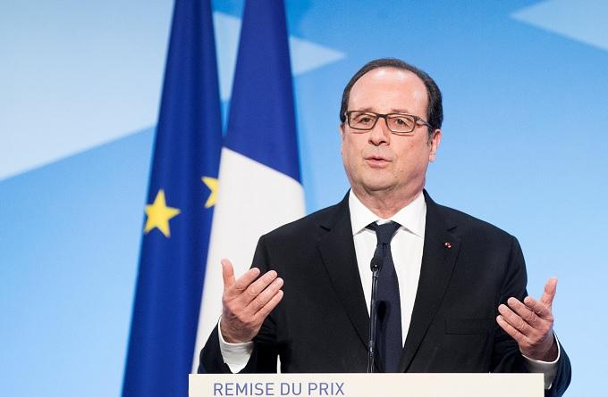 """El presidente francés, François Hollande, pronuncia un discurso durante el premio """"Non Au Harcelement"""" en el Palacio del Elíseo de París (Reuters)"""