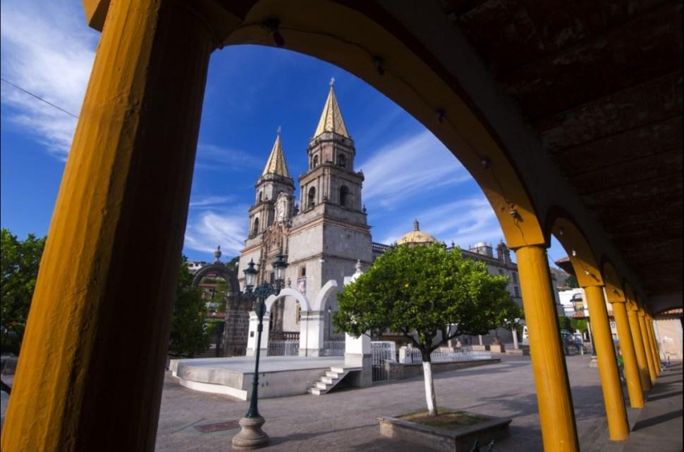 Iglesia en Talpa de Allende, Jalisco (Twitter @Connie_Gdl)