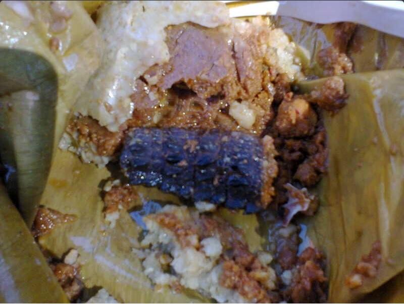 Tamal de iguana; en Juchitán, Oaxaca, se degusta el platillo durante Semana Santa (Twitter @GingerPrincesa, archivo)