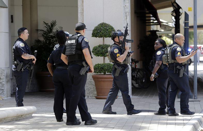 El tiroteo ocurrió en un gimnasio del centro comercial Merrick Park, en la localidad de Coral Gables, Miami (AP).