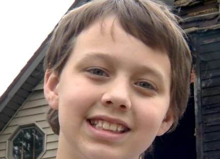 Tony Ruch, un niño de 10 años, es reconocido como un héroe (Foto. channel3000.com)