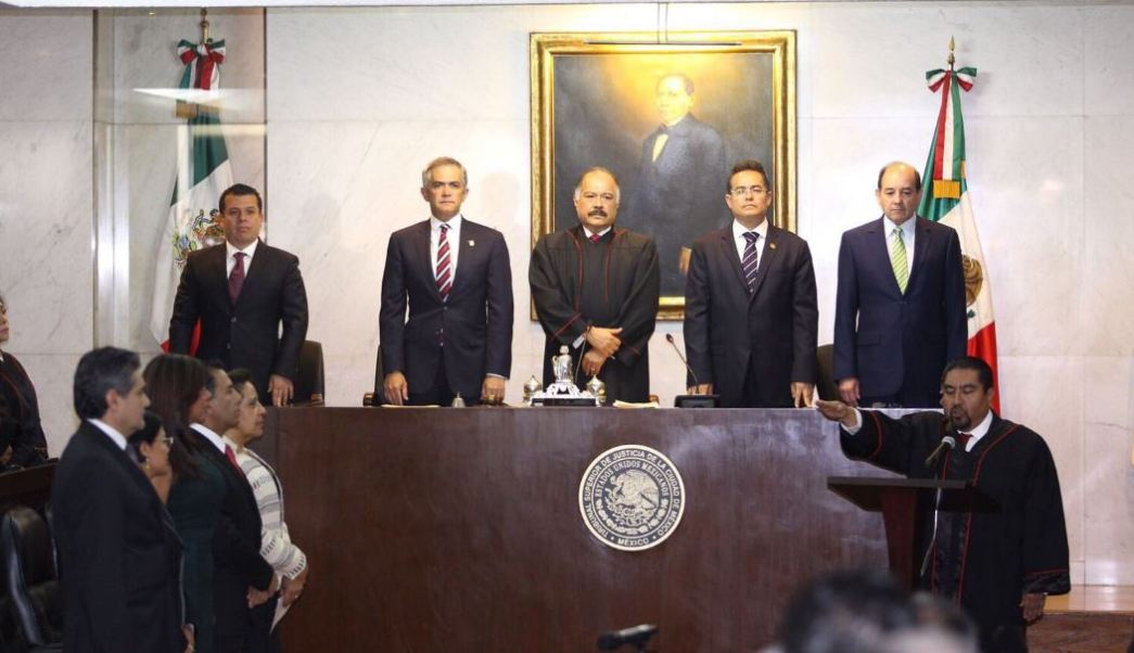 Dijo asumir esta nueva responsabilidad con convicción al sentirse acompañado por jueces y magistrados, pero también con el respeto a la división de poderes (Twitter/@ManceraMiguelMX)