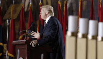 Trump ofreció un discurso en el Museo del Holocausto de Washington con motivo del Día del Recuerdo a las víctimas del nazismo. (Reuters)