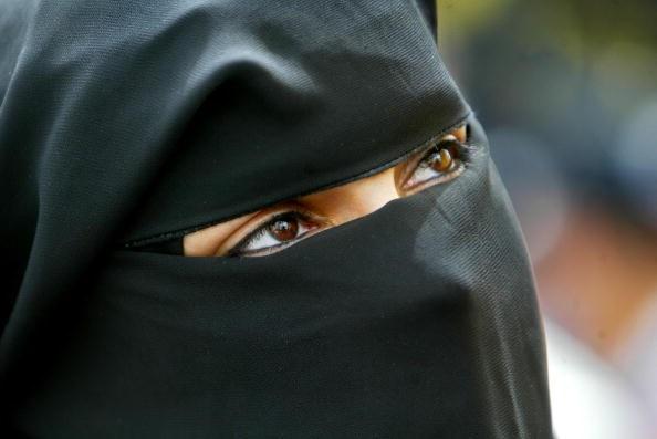ProProhíben usar velo, Alemania, funcionarios públicos, refugiados, musulmanes,