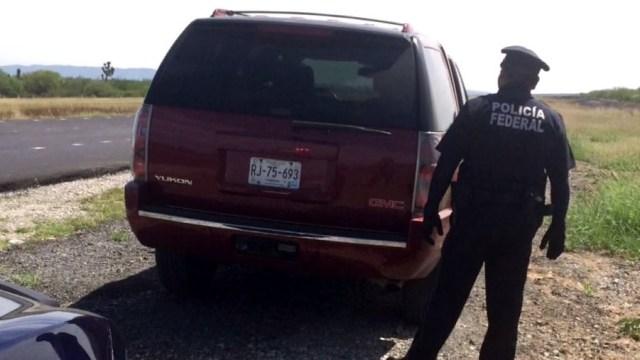 El robo provocó una fuerte movilización policiaca sobre la autopista y la Carretera Libre a Reynosa. (Twitter @_LASNOTICIASMTY)