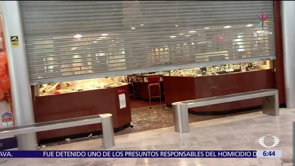 joyería, plaza comercial, Pabellón Cuauhtémoc, hombres con cubrebocas