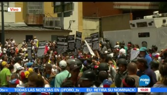 Mujeres marchan, represión en Venezuela, vestidas de blanco, Nicolás Maduro