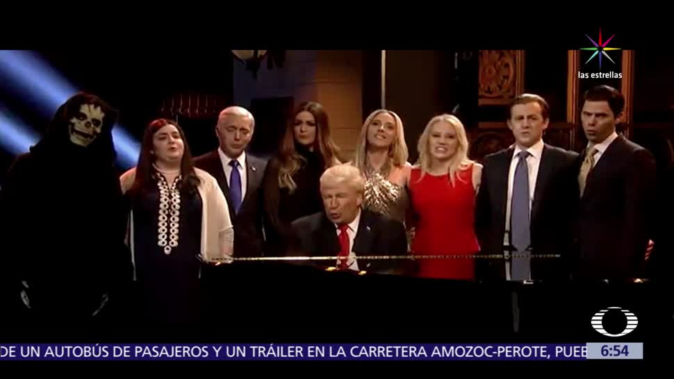 temporada de Saturday Night Live, Alec Baldwin, Aleluya, parodiando a Donald Trump