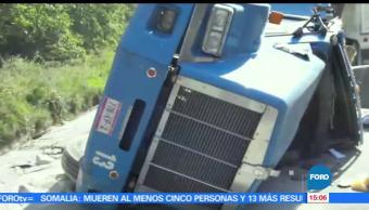 noticias, a las tres, Choque, Veracruz, trailer, transportaba cemento