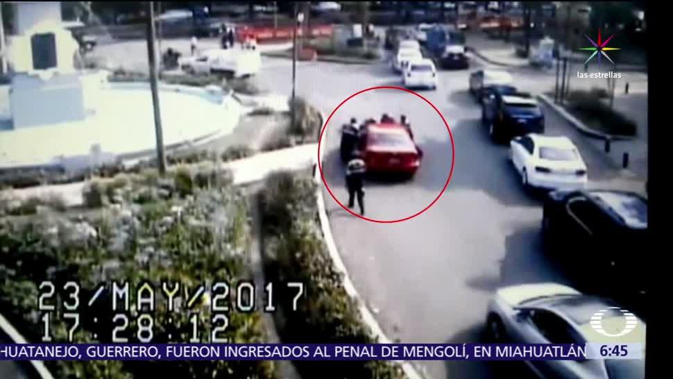mujer que atropelló, dos policías, multa, Hoy no Circula, libertad