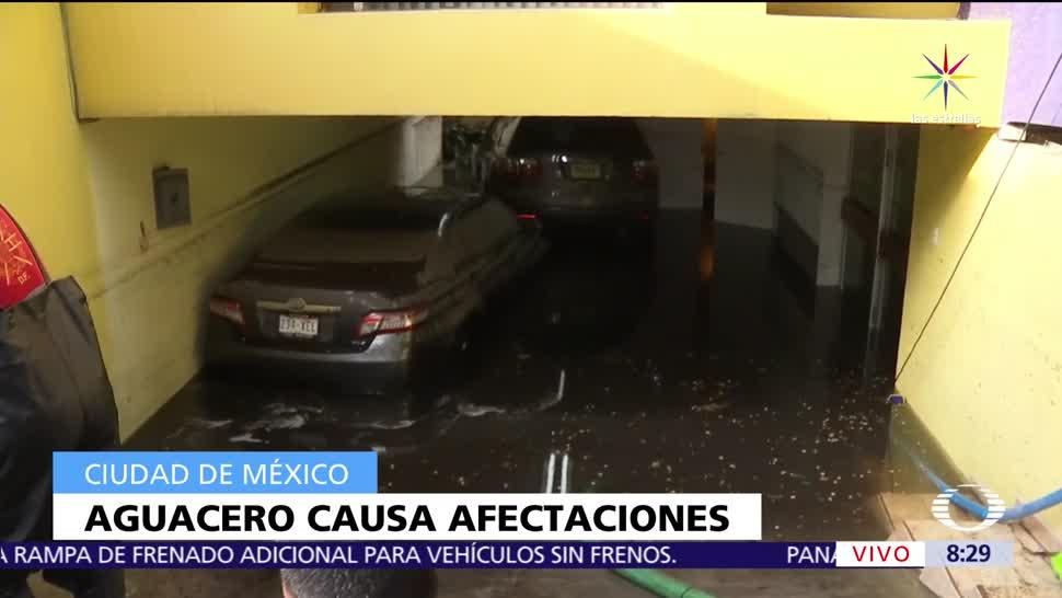 Viviendas, zona de Coapa, Ciudad de México, afectadas por lluvias, desazolve