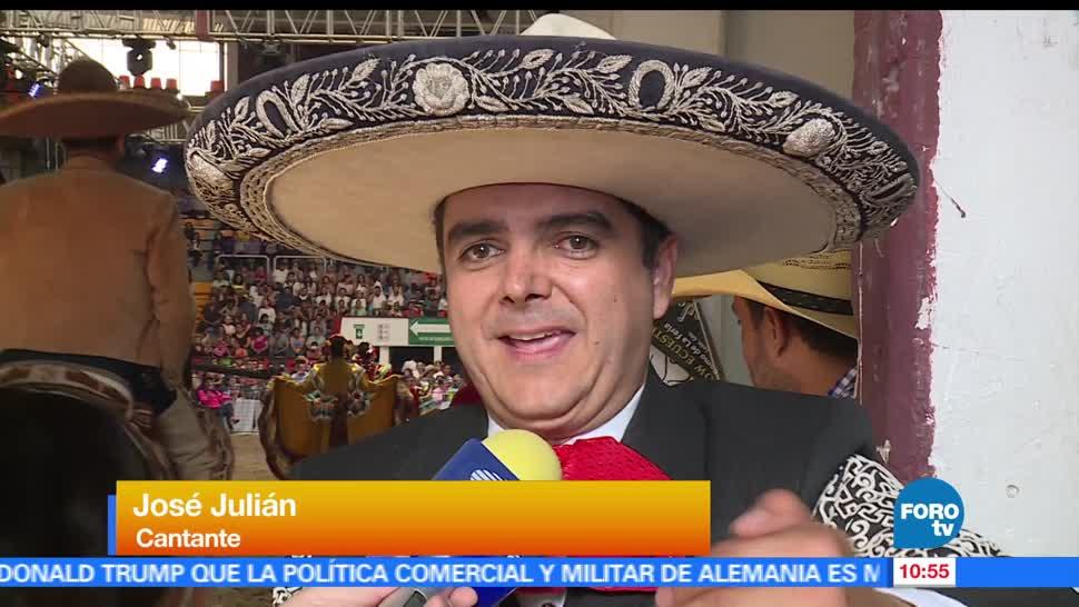 cantante José Julián, 20 años de carrera, espectáculo ecuestre, León, Guanajuato