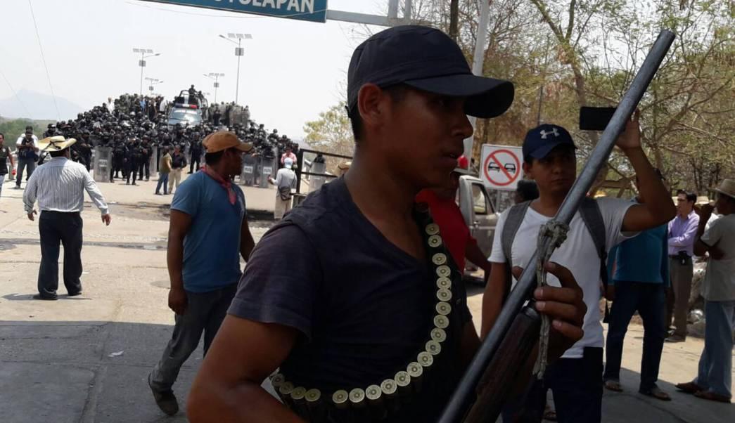 Enfrentamiento en San Miguel Tololapan. (EFE)