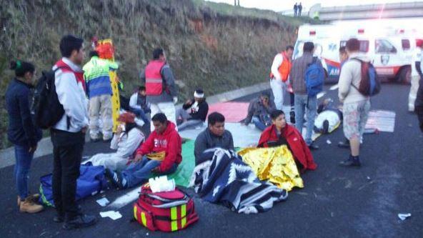 Volcadura, Autobus, Puebla, Estados, Lesionados, Noticias