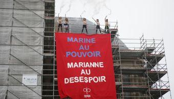 Elecciones, francia, marine le pen, protesta, voto, cartel