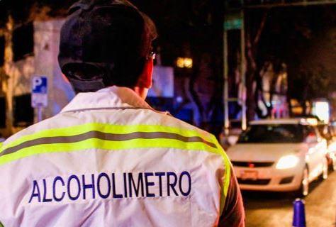 Mujer, Alcoholimetro, Muerde, Policia, Noticias, Cdmx
