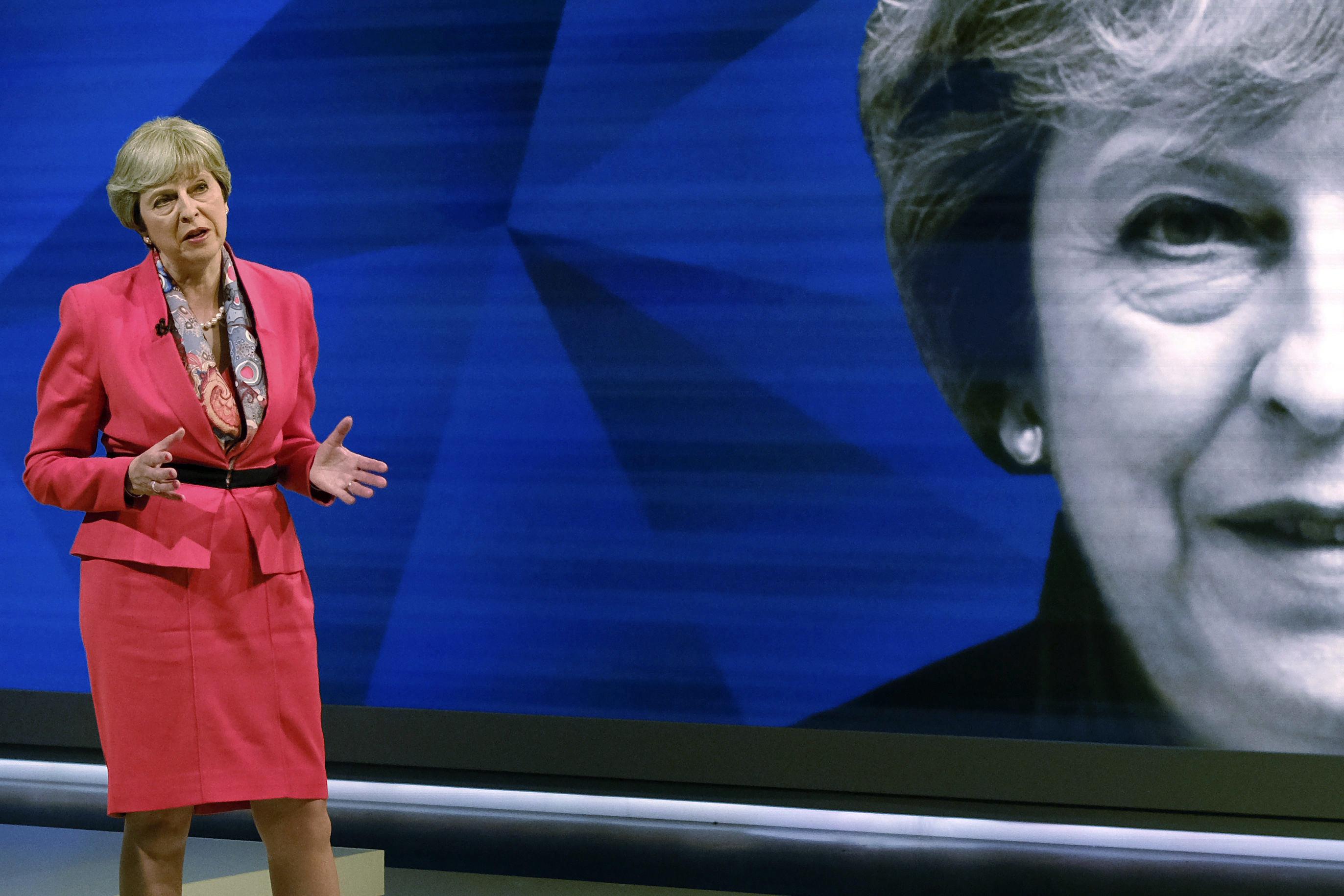 Canción contra la primera ministra británica entre las más escuchadas