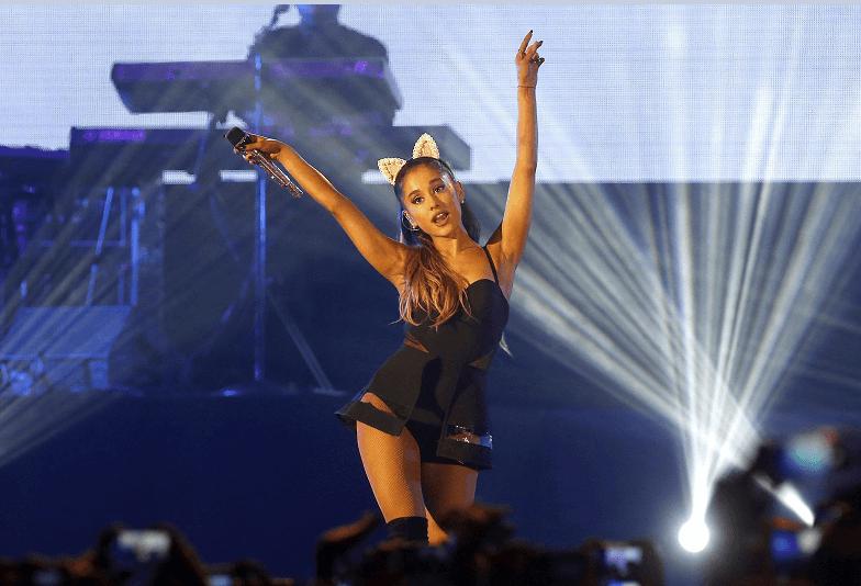 Ariana Grande durante concierton en Yakarta, Indonesia, en agosto de 2015