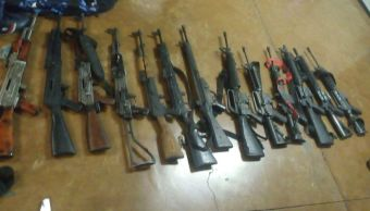 Armas de grueso calibre decomisadas en Michoacán. (Procuraduría de Michoacán)