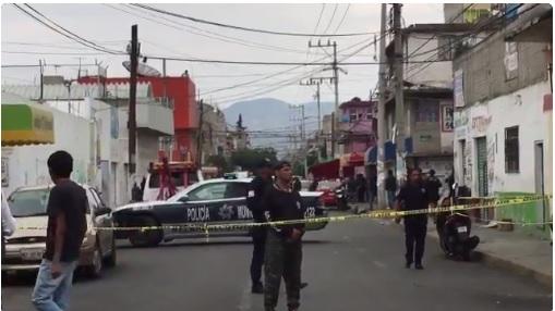 Intento de asalto en Neza deja cuatro muertos. (Twitter @araujogar)