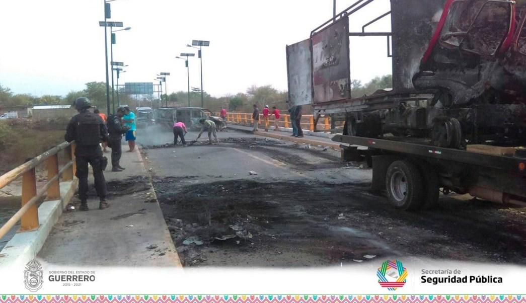 Fuerzas Federales mantienen patrullajes en las carreteras para evitar nuevos bloqueos. (Twitter @SSPGro)