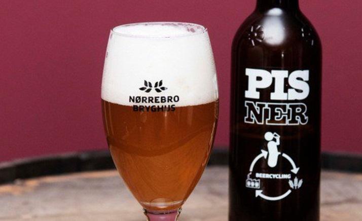Empresa danesa aprovecha la orina humana para hacer cerveza