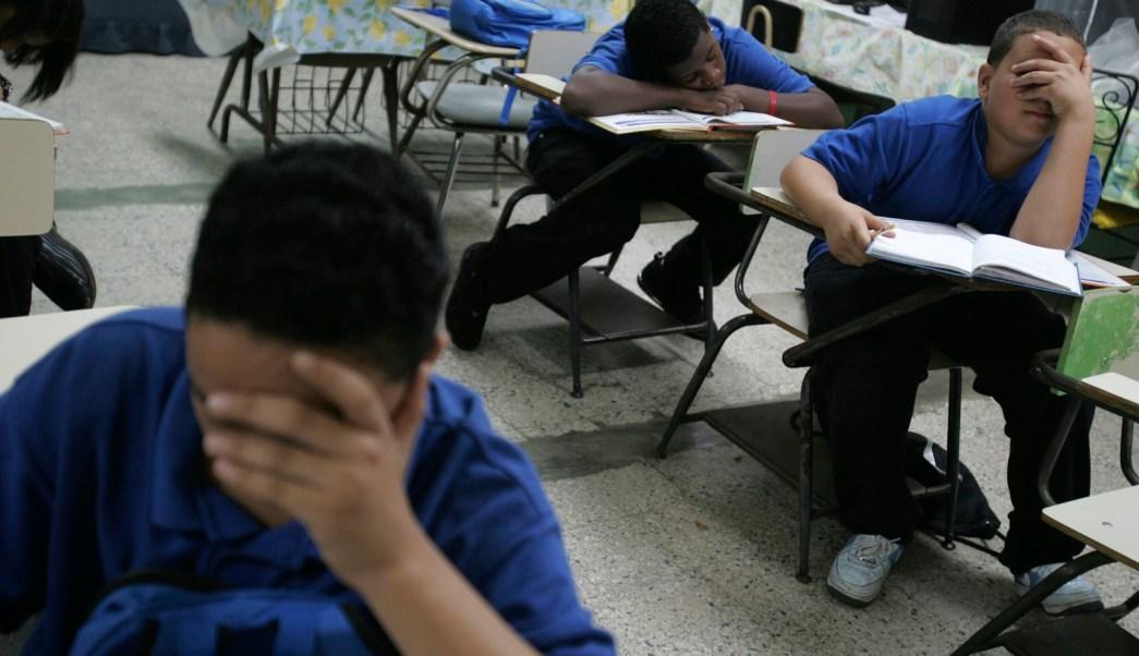 Cierran 184 escuelas por crisis económica en Puerto Rico