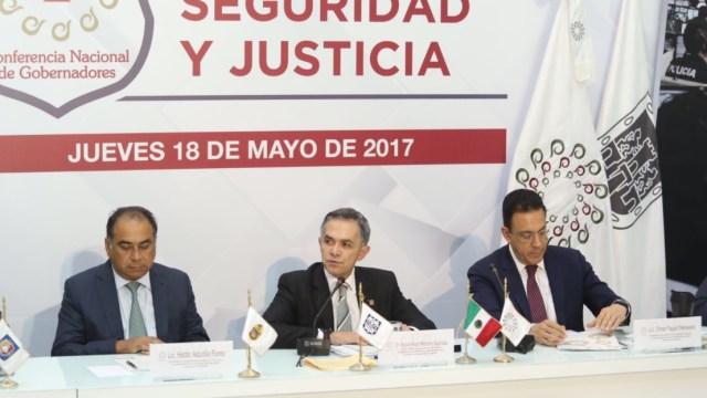 Mancera se reunió con integrantes de la Comisión de Seguridad de la Conago. (Twitter: @ManceraMiguelMX)