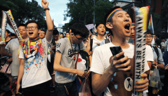Defensores del matrimonio homosexual celebran la decisión del Tribunal Supremo de Justicia de Taiwán