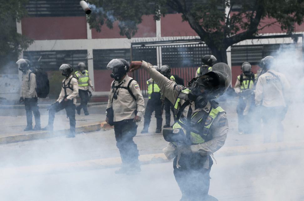 Bloquean marcha en rechazo a constituyente — Venezuela