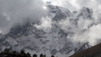 Everest, alpinistas, muertos, rescate, montaña, victimas