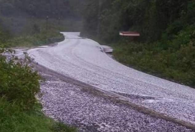 El pasado 19 de abril, se registró la primera granizada del año en Mecayapan. (Twitter @ForoCoatza, archivo)